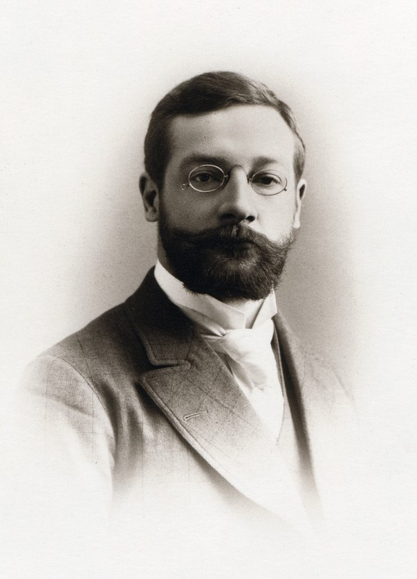 essays wundt wilhelm wundt Classics in the history of psychology  historical essays  a discipline in its own right is often dated from the appearance of wilhelm wundt's great.